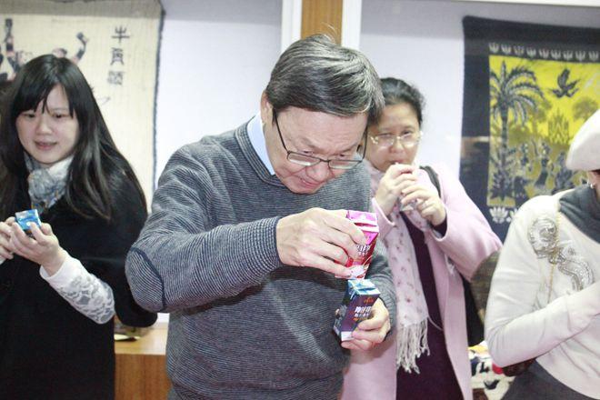 台湾台北论坛董事长苏起一行到dafa888大发国际参观考察
