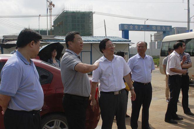 2016年市领导联系重大项目、服务重点企业第四工作队到dafa888大发国际华南乳品工厂调研
