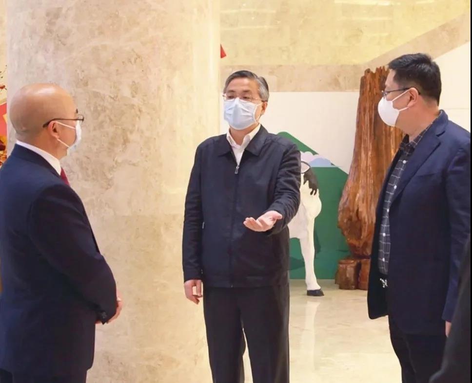 南宁市市长周红波一行莅临qg999调研企业复工复产情况
